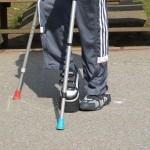 Sådan går du med krykker