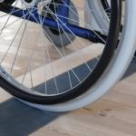 Vejledning: montering af en dørskinne eller dørtrinsrampe